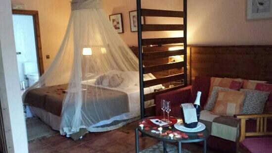 Hotel Restaurante Cal Teixido : Estancia Romantica en la Suit Romani
