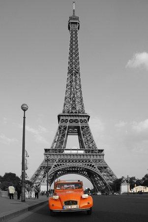 tour eiffel noir et blanc - picture of 4 roues sous 1 parapluie