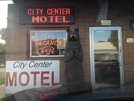 City Center Motel: Could this be the place? I wonder...