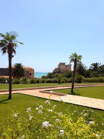 Falconara Charming House Resort & SPA : Il giardino