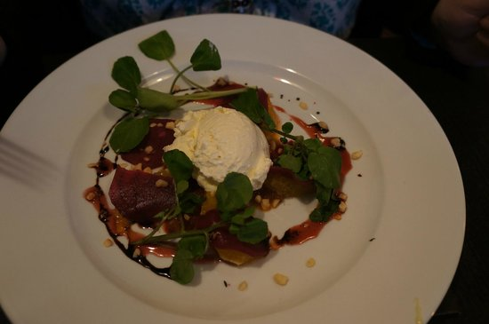 The Palm Tree Turkish Restaurant: Beetroot, Hazelnut & Orange Salad with a Goats Cheese Mousse