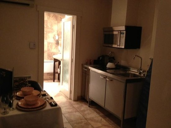 Hotel Kutuma: mini cozinha
