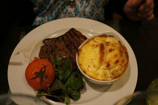 The Palm Tree Turkish Restaurant: Steak with Dauphinoise Potatoes
