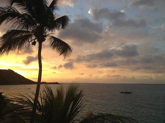 sun set a grans case bleu emeraude