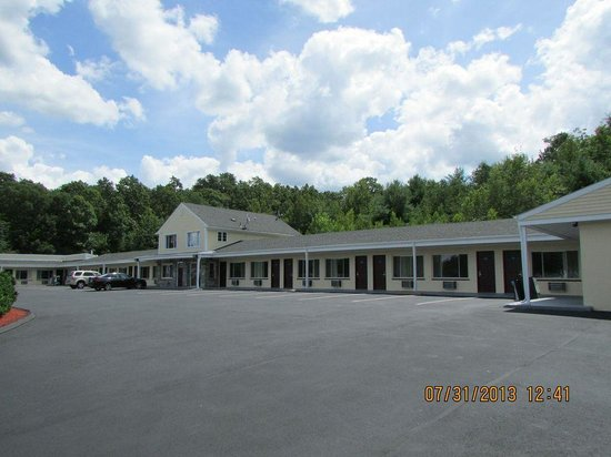 Americas Best Value Inn - Providence / North Scituate: Hotel Exterior