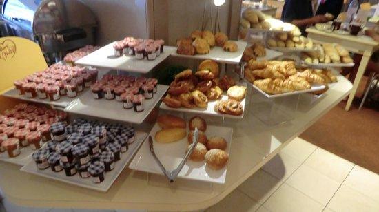 Mercure Nice Promenade des Anglais: Frühstücksbuffet