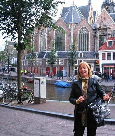 Hotel Prins Hendrik : Frente al un canal - junio 2011