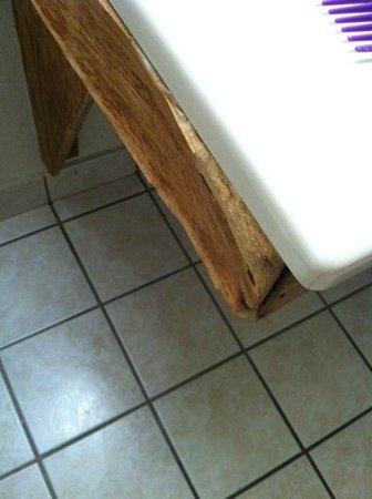 Super 8 Richmond/Chamberlayne Rd: Bathroom sink