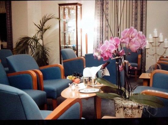 Hotel Bristol: apperitif dans le lobby