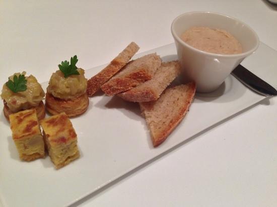 Les Chanterelles, 豚のリエット、新玉葱のパイ、南瓜のオムレット