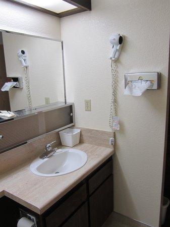 Kokopelli Inn : Bagno pulito e spazioso