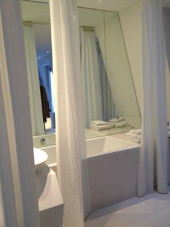 BLC Design Hotel : Baño
