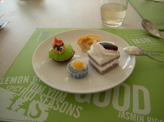 ibis Bangkok Sathorn: Desserts du midi