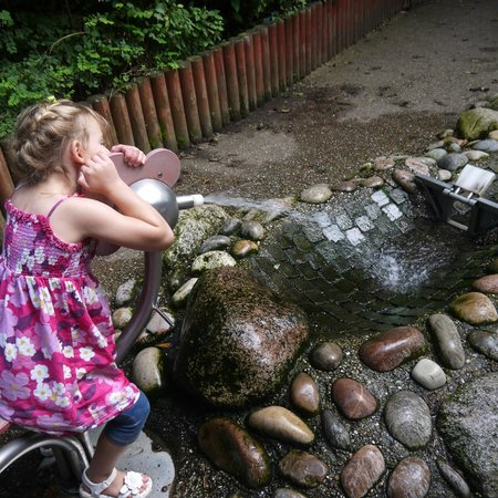 Conkers: The water pump again - much fun!