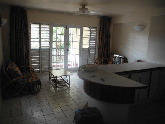 El Greco Resort : Cozinha com sala no apartamento