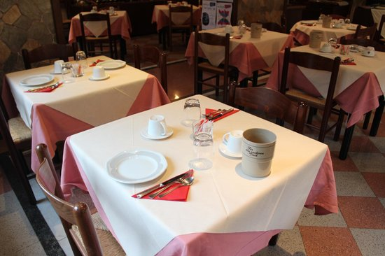 Hotel Il Nibbio: Frühstückstisch