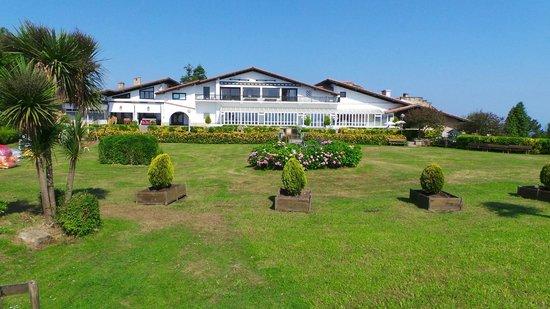 Gudamendi Hotel: vista hotel jardin