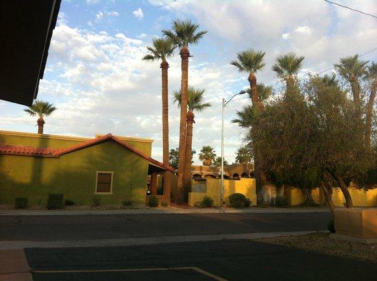 Best Western Rancho Grande: parte trasera habitaciones