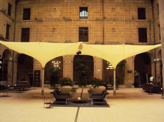 Hotel Los Agustinos: Patio