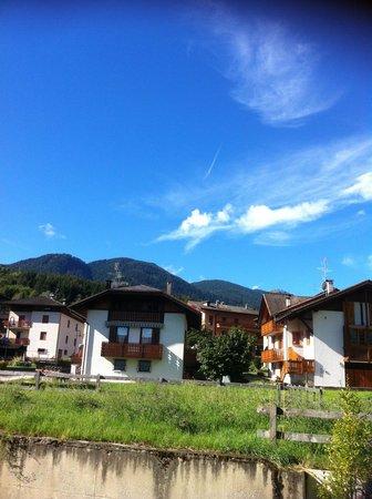 AlpHoliday Dolomiti Wellness & Fun Hotel: La vista dalla nostra camera