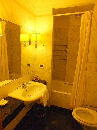 Hotel Arcangelo: bagno