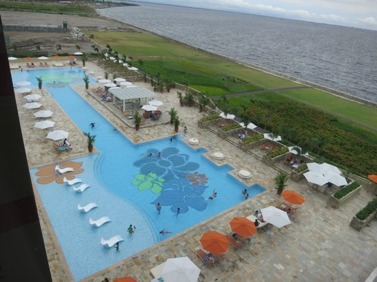 Solaire Resort Swimming Pool Now Operational