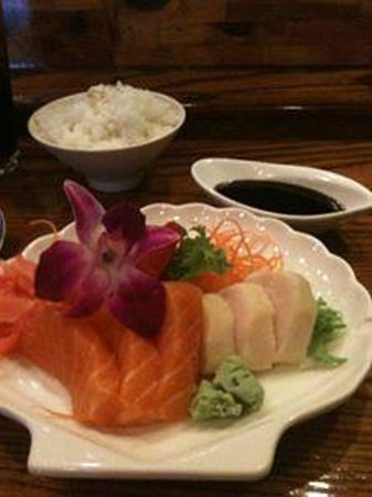 Kenzo Japanese & Asian Fusion: Sashimi lunch special