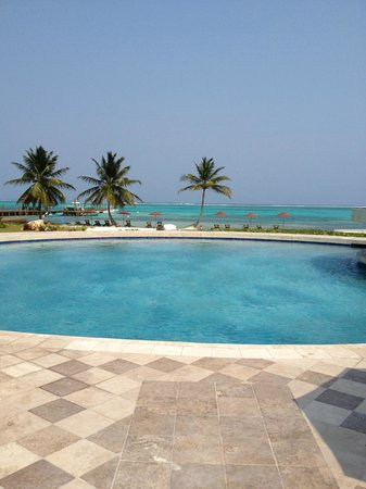 Grand Caribe Belize Resort and Condominiums : pool