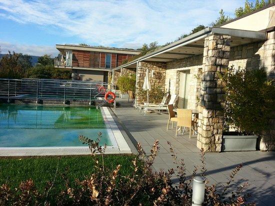 Parc Hotel Germano Suites & Apartments: esterno della suite con la piscina