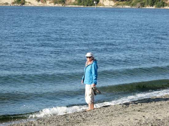 Spencer Spit State Park: wade in clear water while watching sailboats go by