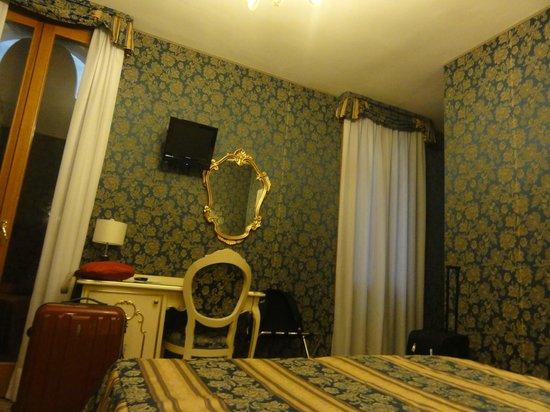 Hotel Il Mercante di Venezia : Living Room from Colour Tour Georgia