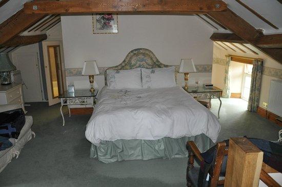 Fold Farm Guest House: Hayloft Bedroom