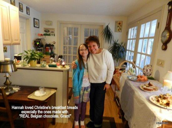 Mount Battie Motel: Our granddaughter loved Christine's breakfasts