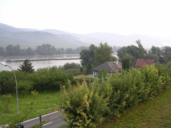 Wachau Valley: 1