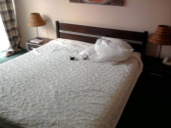 Petrus Hotel: Bed