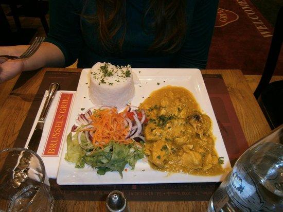 Brussels Grill - Debrouckere : pollo al curry