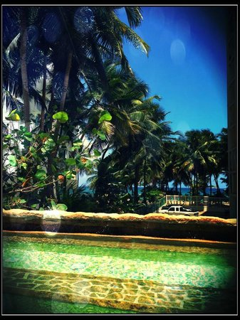 Acacia Boutique Hotel : Relaxing Spa Pool & View from our Room
