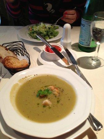 Giovanni Venti Cinque Restaurant: Sopa de brócolis deliciosa