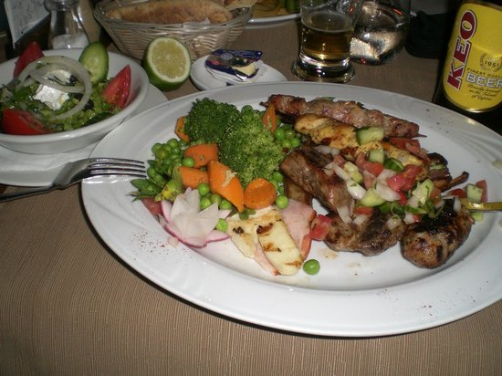 Agapinor Restaurant: Mixed grill.