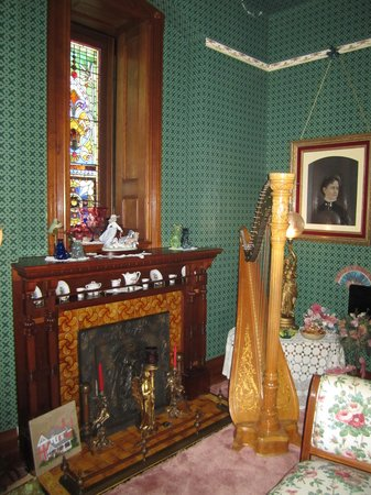 The Kerr House: Corner of the parlour