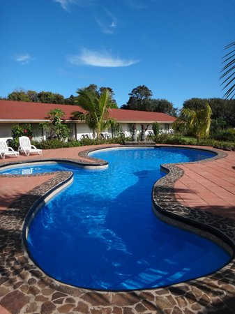 Hotel Puku Vai: Swimming Pool