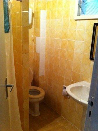 Nevada Jacarei Praia Hotel: Banheiro