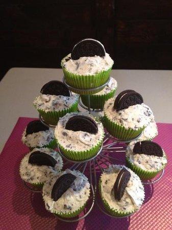 Mim's restaurant : oreo cupcakes