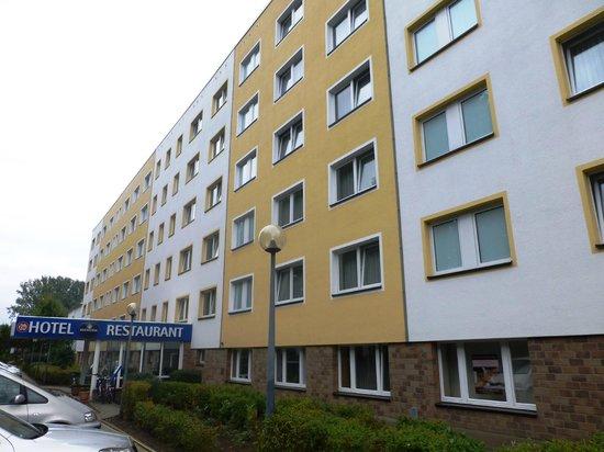 elbotel Rostock: front