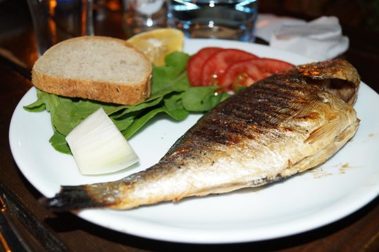 Karia Apart: dinner with fresh fish.