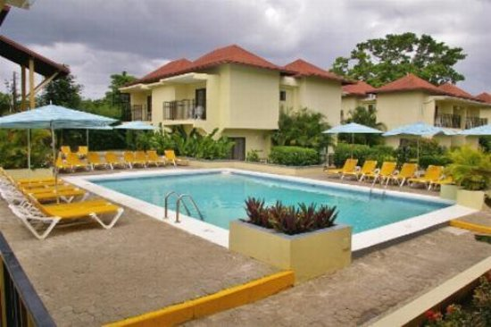 SuperClubs Rooms on the Beach Negril: another view of pool area