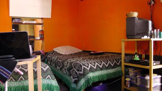 Hostel Positive Backpackers: Our room (Rm 8)