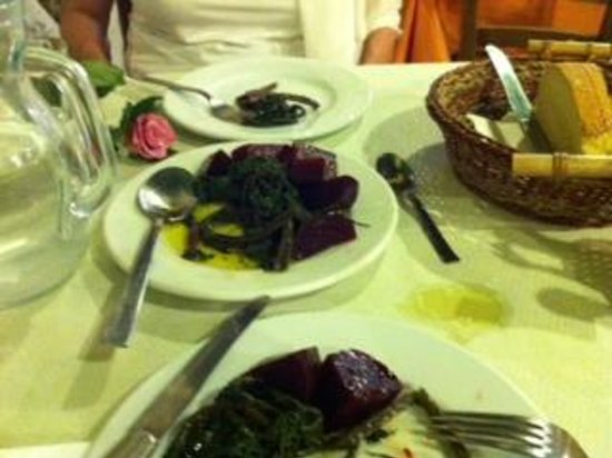 Ta Fanaria : Cold beetroot salad