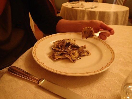Villa Milani - Residenza d'epoca: Ravioli with truffles (excellent!)