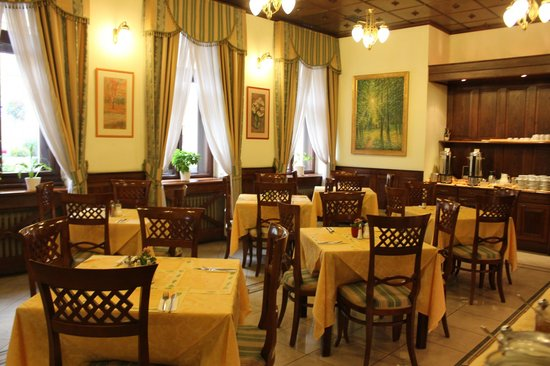 Green Garden Hotel: Ресторан для завтраков